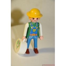 Playmobil kiránduló nő