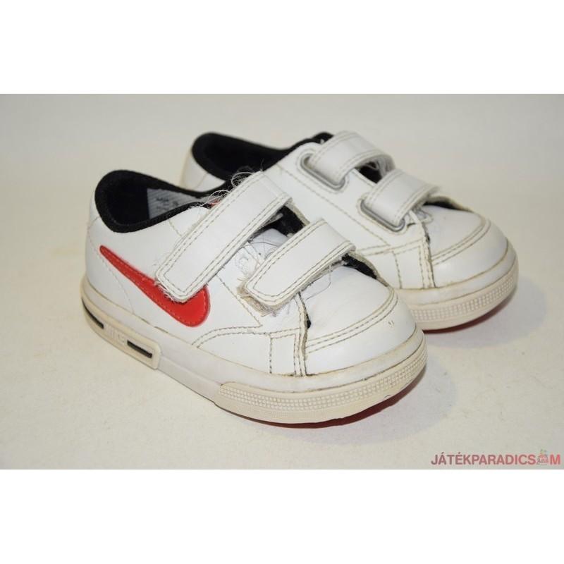 4488a39f2499 Nike eredeti tépőzáras 21,5-ös edzőcipő *