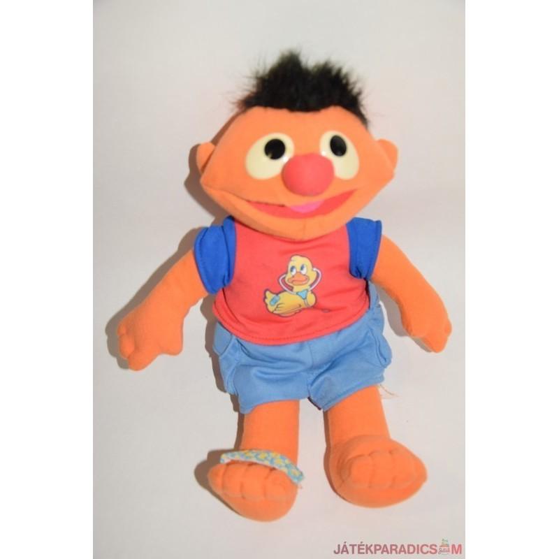 Sesame Street Ernie plüss a doktornál