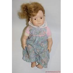 Marci Cohen copfos kislány karakter baba