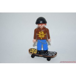 Playmobil gördeszkázó fiú