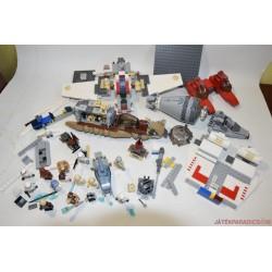 LEGO Star Wars készletek és figurák egyben