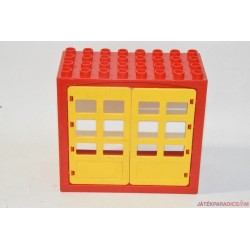 Lego Duplo piros ház ajtókkal