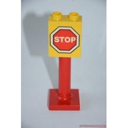 Lego Duplo STOP tábla