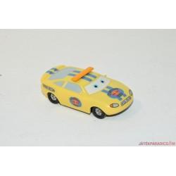 Verdák sárga autó
