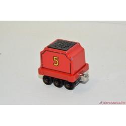 Thomas, a gőzmozdony fém vagon