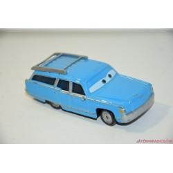 Verdák kék kombi autó