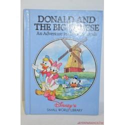 Donald and the Big Cheese lapozó könyvecske
