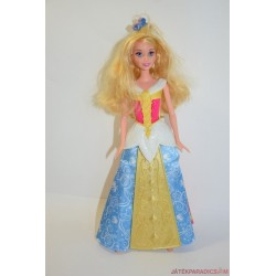 Hosszú hajú hercegnő Barbie baba