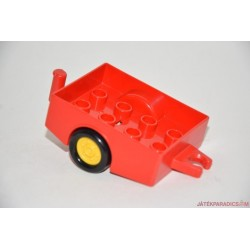 Lego Duplo kis piros utánfutó