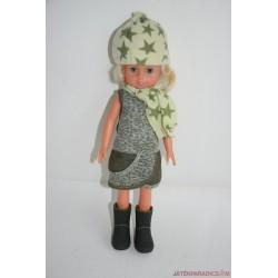Vintage zöld ruhás pislogós baba