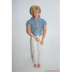 Ken kockás inges Barbie baba