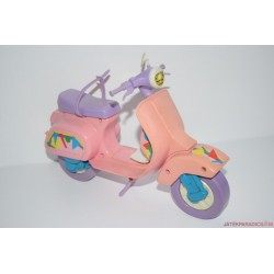Retro Barbie moped motor