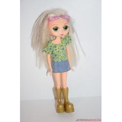 Mini ruhás játékbaba