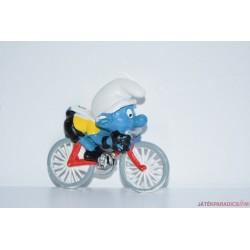 Hupikék törpikék kerékpározó törpike gumifigura