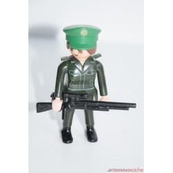 Playmobil katonanő puskával