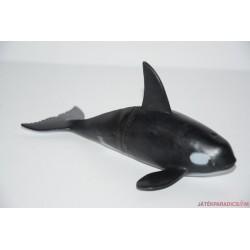 Gyilkos bálna gumifigura