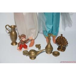 Vintage Disney Aladdin és Jázmin Barbie babakiegészítőkkel