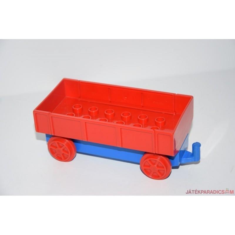 Lego Duplo lenyíló oldalú kocsi, vagon