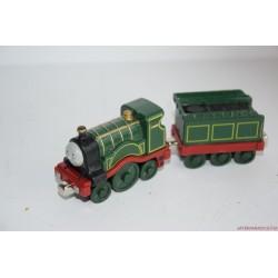 Thomas, a gőzmozdony Emily mozdony rakománnyal