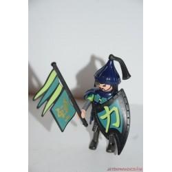 Playmobil középkori ázsiai katona: zászlóval és pajzzsal