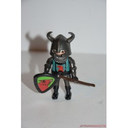 Playmobil középkori páncélos katona karddal és pajzzsal