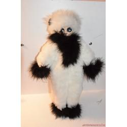 Panda szőrmés porcelán baba