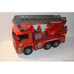 BRUDER tűzoltóautó