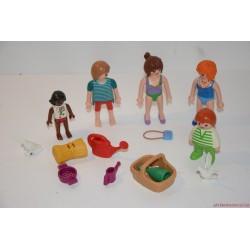 Playmobil strandoló fiatalok