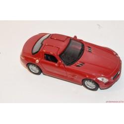 Mercedes-Benz piros AMG SL5 fém autó