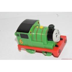 Thomas gőzmozdony barátja Percy mozdony