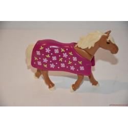Playmobil ló virágos takaróval