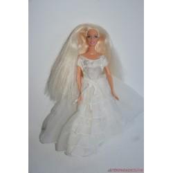 Menyasszony Barbie baba