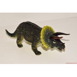 Triceratrops dinosaurus...