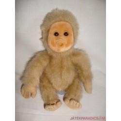 Barna plüss majmocska