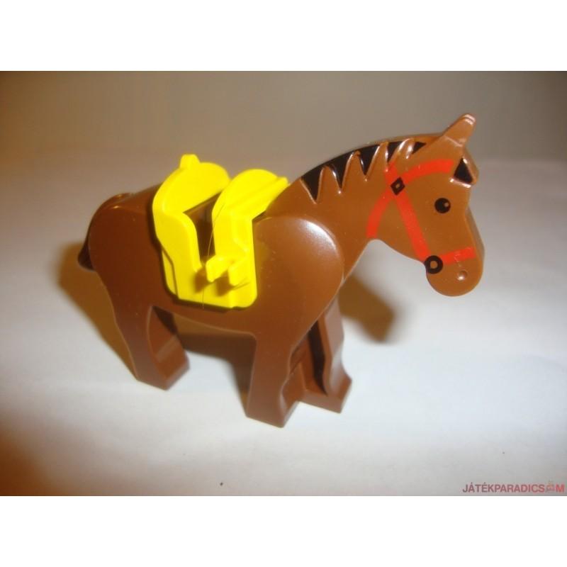Lego fehér ló nyereggel