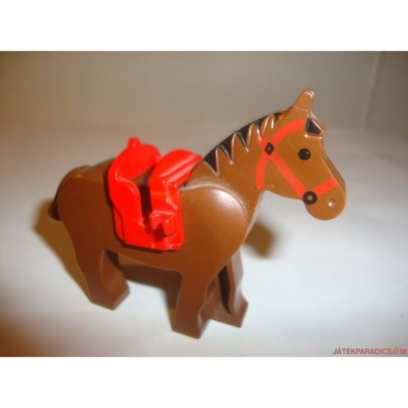 Lego barna ló nyereggel
