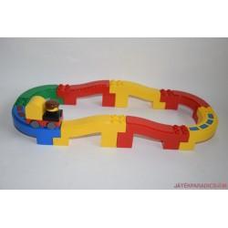 Lego Duplo kis autópálya emelkedőkkel 21