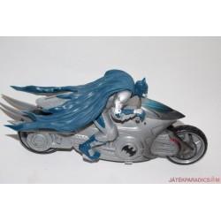 Batman akciófigura motoron